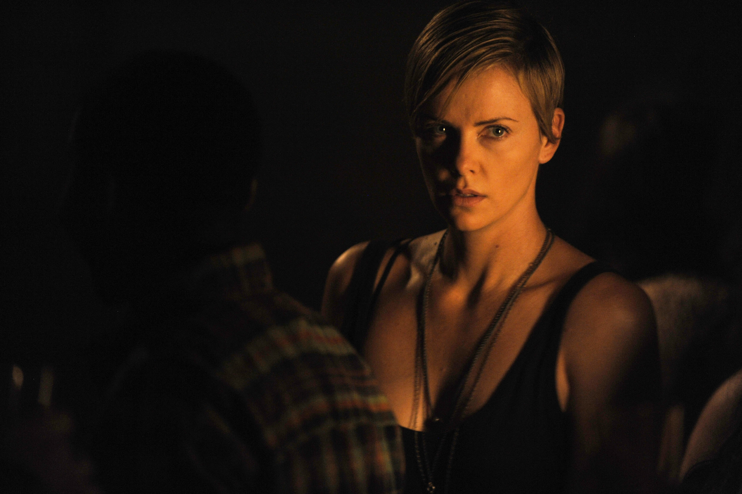 Charlize Theron / Dark Places